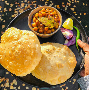 puri with veg