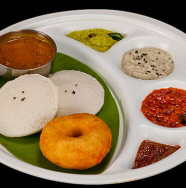 Idly (2 each and 1 Vada)