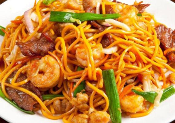 Mix Noodles (Prawn, Egg & Chicken)